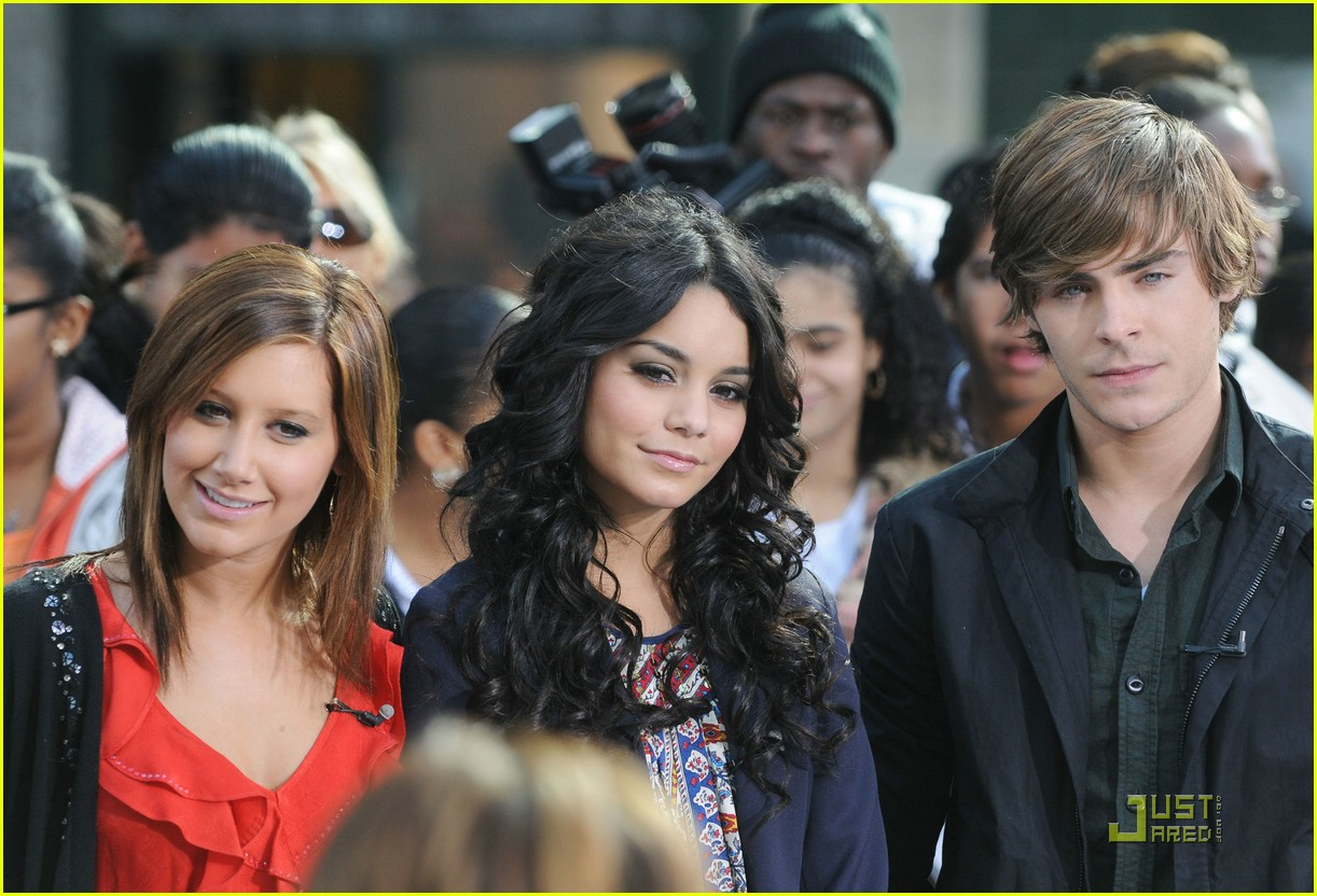 High School Musical 3 Hit 'The Early Show': Photo 1496251 ...