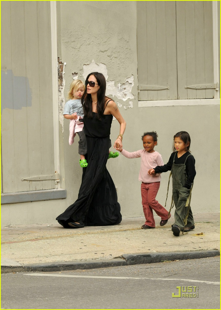 jolie pitts cheetos family 03