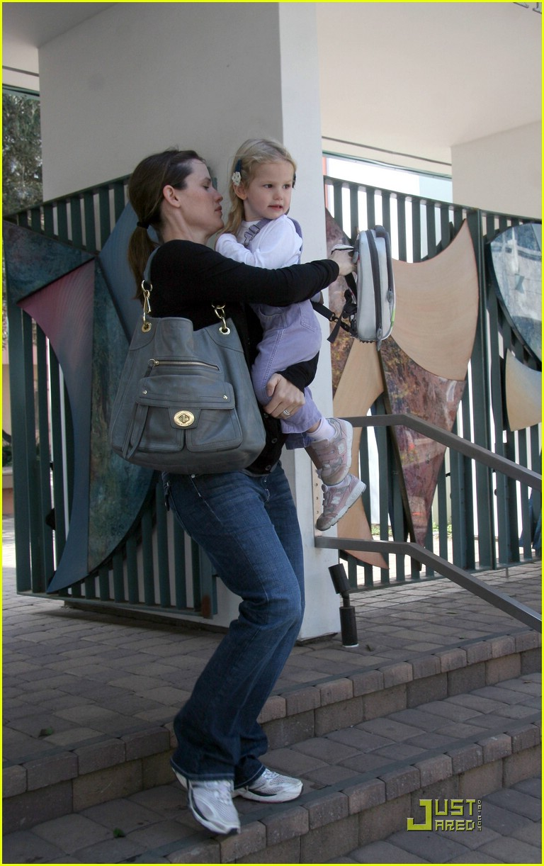jennifer garner violet affleck school pick up 03