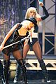 christina aguilera performs 2008 american music awards07