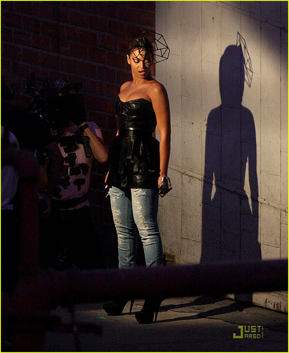 Beyonce diva music video preview photo 1559371 beyonce knowles pictures just jared - Beyonce diva download ...