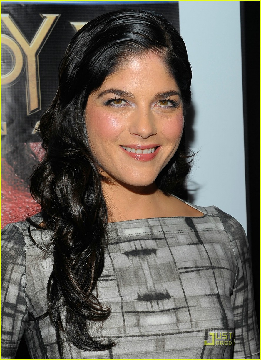 selma blair hellboy 2 05