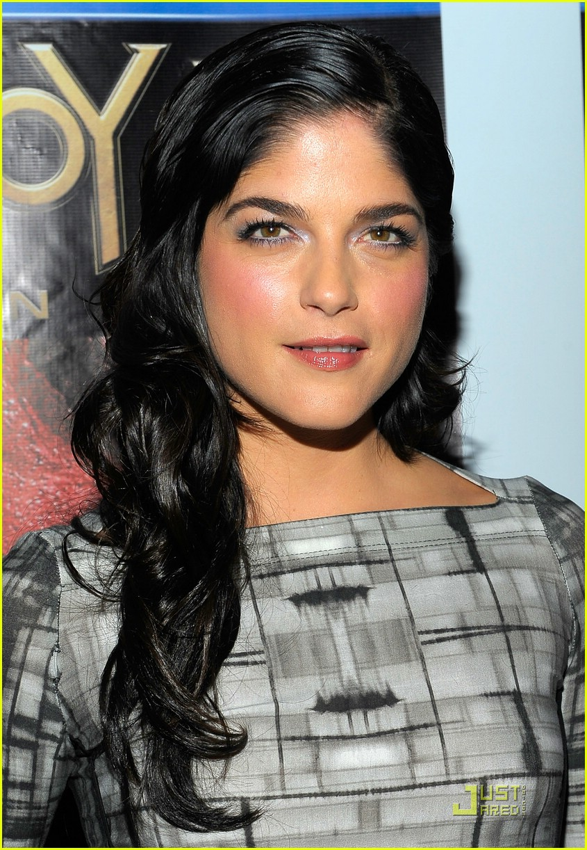 selma blair hellboy 2 08