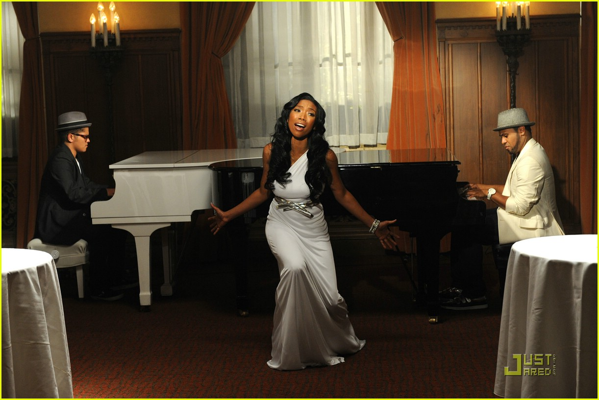 Brandy - Long Distance Music Video Preview: Photo