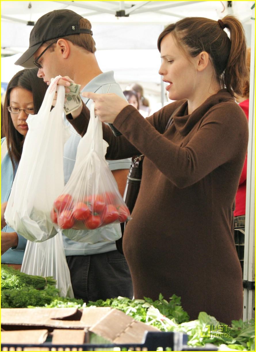 jennifer garner shops market 101543071