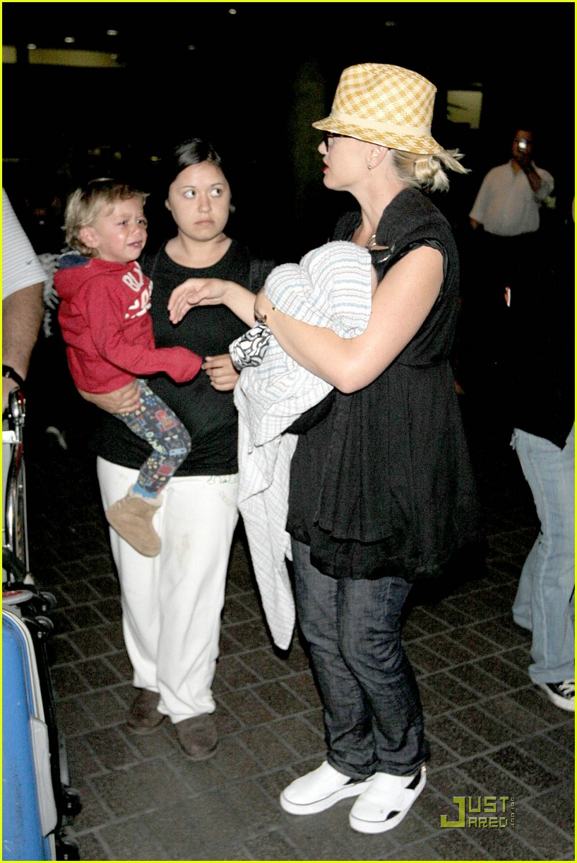 gwen stefani home for the holidays 231554451