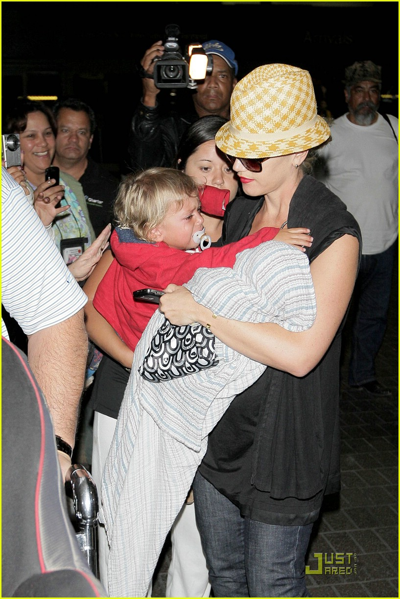 gwen stefani home for the holidays 251554471