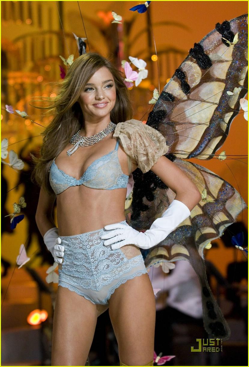 miranda kerr fashion show foxy 171548441