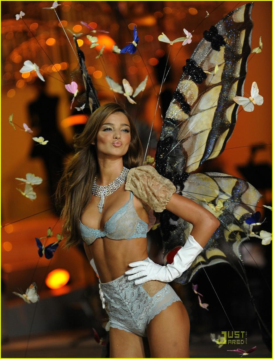miranda kerr fashion show foxy 31