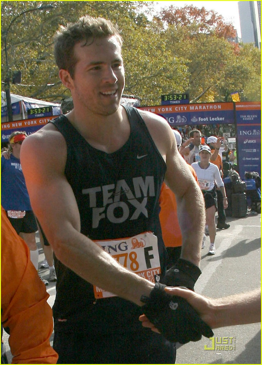 ryan reynolds nyc marathon 031522041