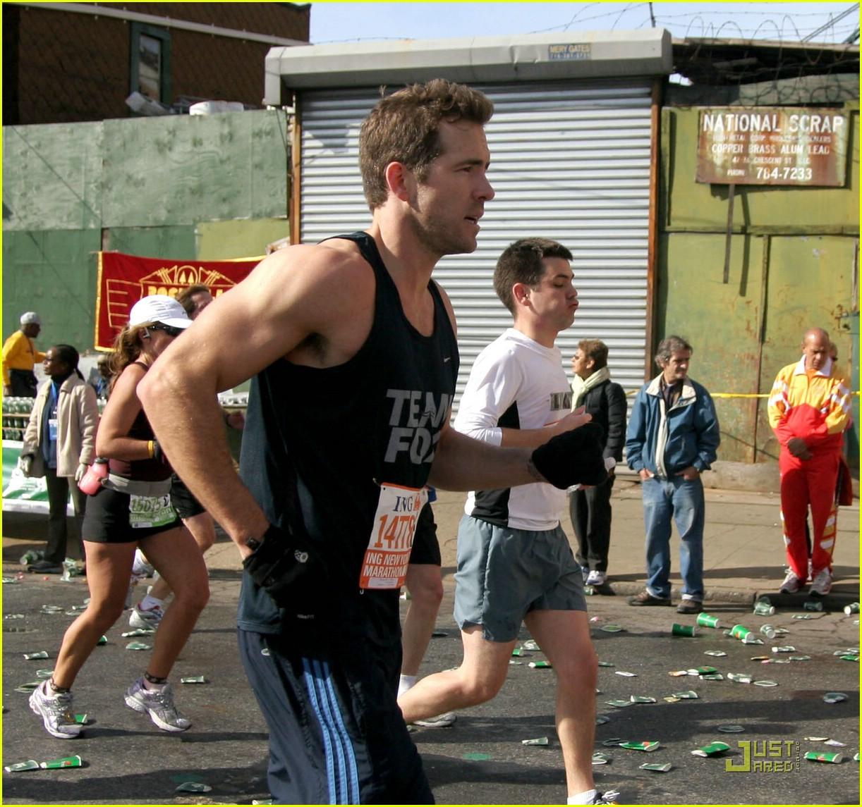 ryan reynolds nyc marathon 041522051