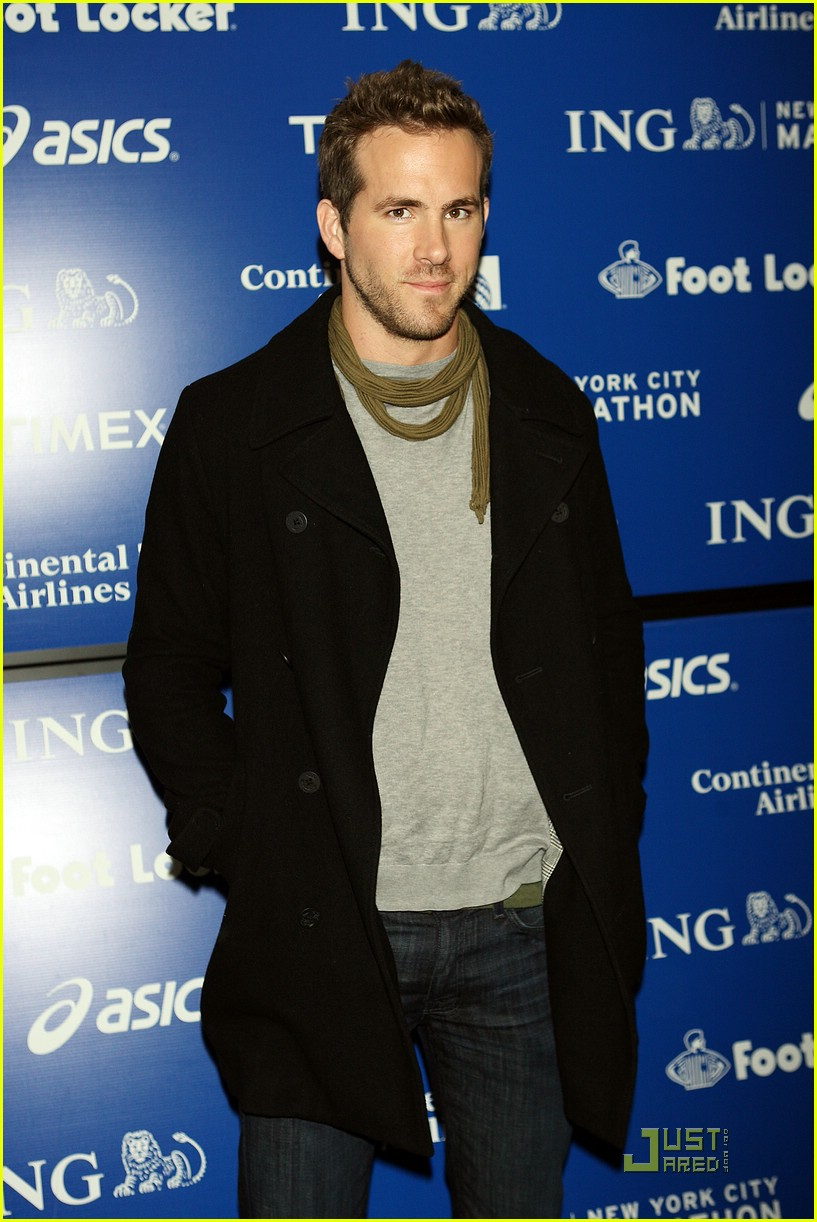 ryan reynolds nyc marathon 231522241