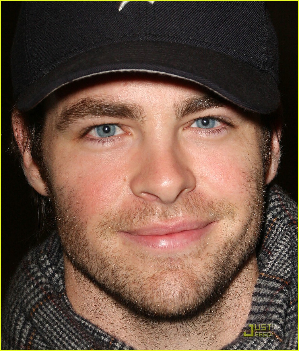 chris pine los angeles mission 03