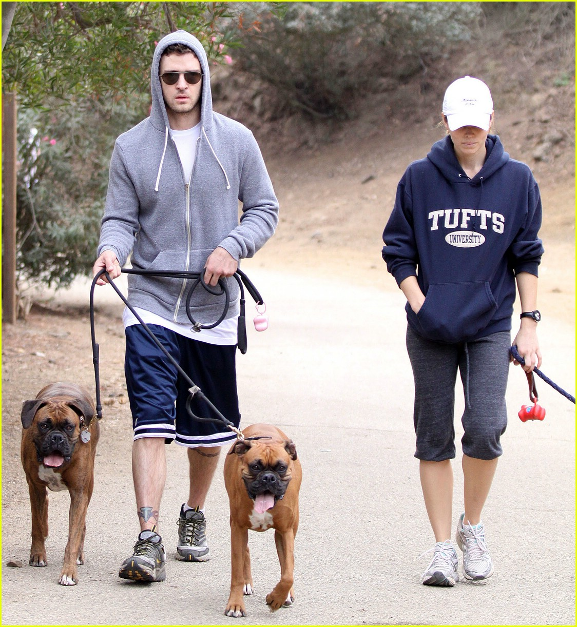 justin timberlake jessica biel dog walkers 05