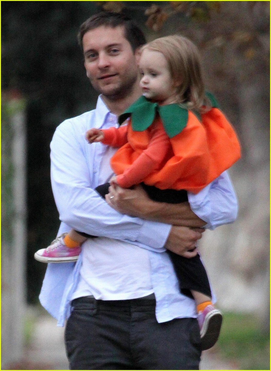 tobey maguire ruby maguire halloween 031521431