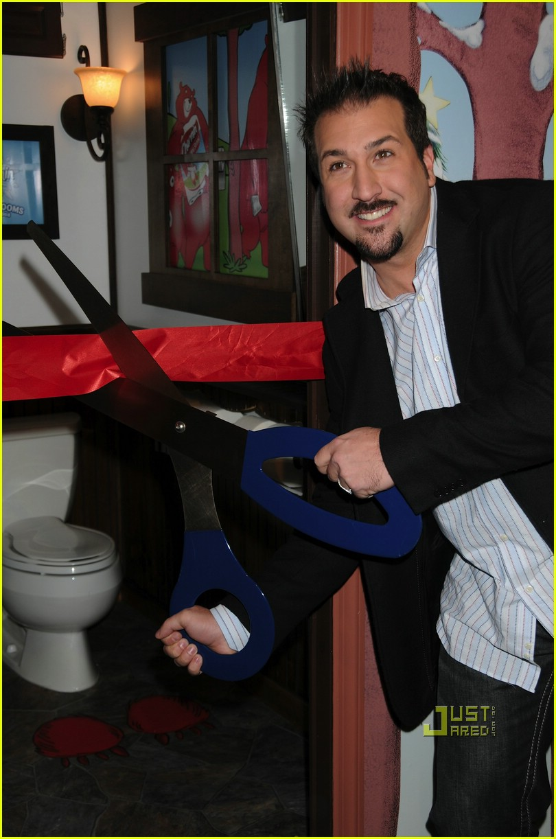 joey fatone nyc toilet 051562921