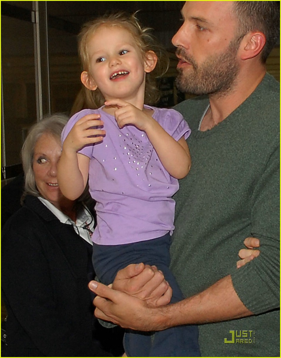ben affleck shaved head 041574331