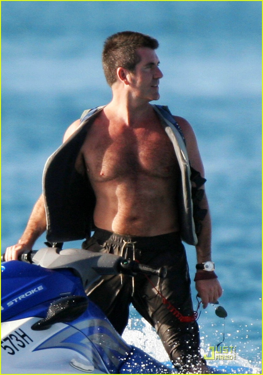 simon cowell shirtless 041613061