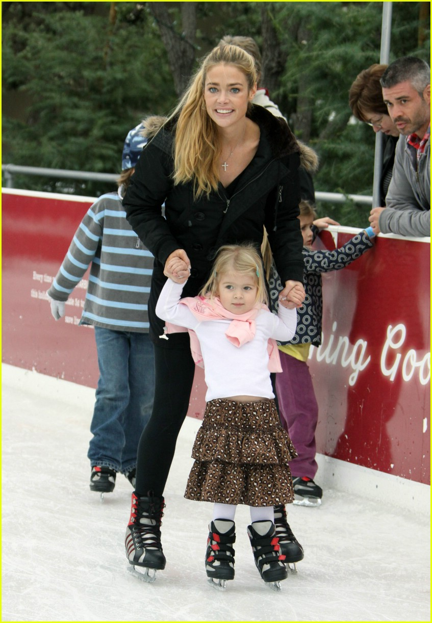 denise richards ice skating 011616011