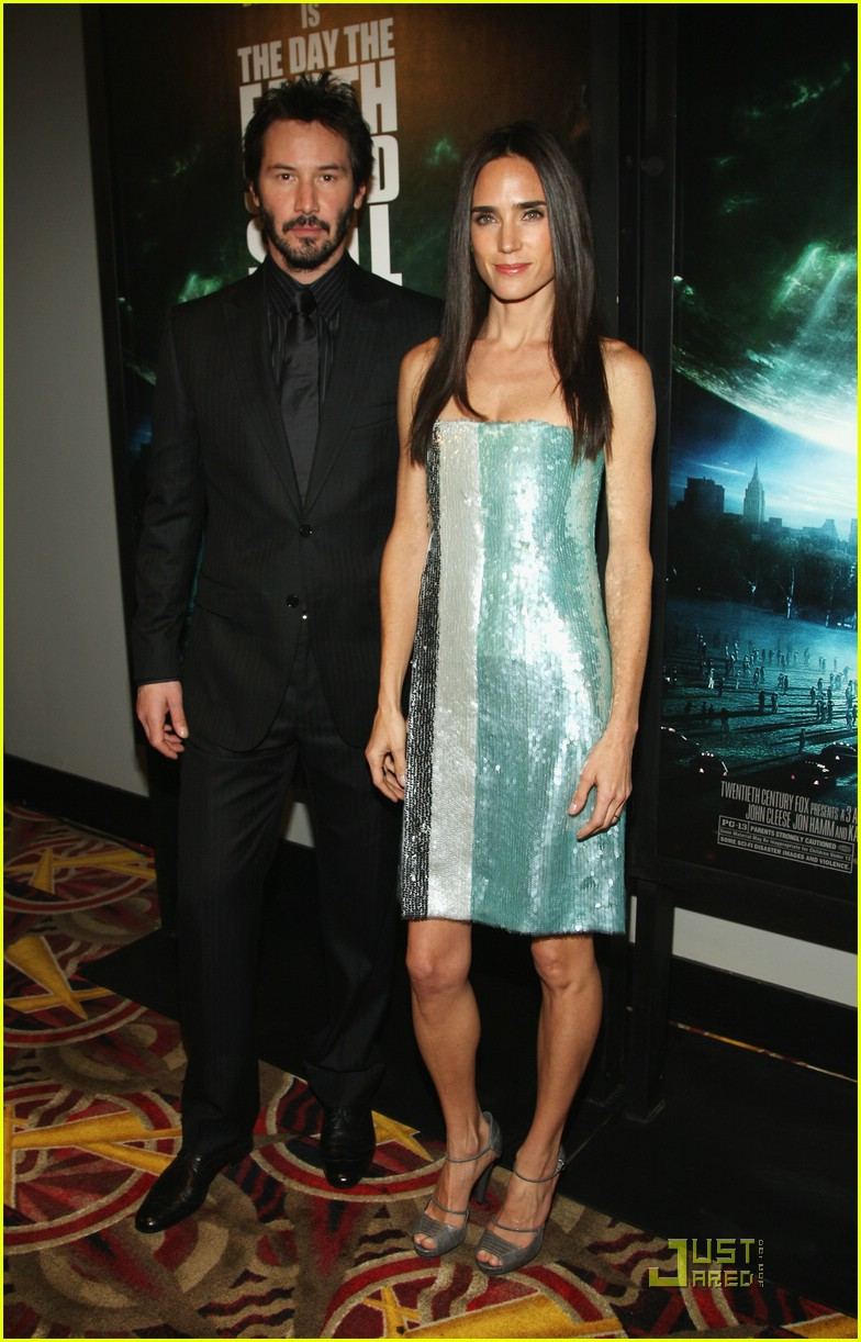 Jennifer Connelly: Earth to Keanu! | Jennifer Connelly Photos | Just
