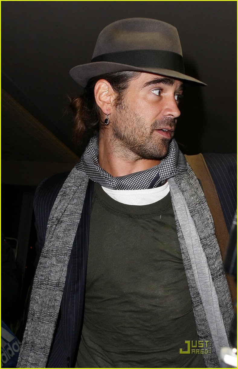 colin farrell flies far away 011612921
