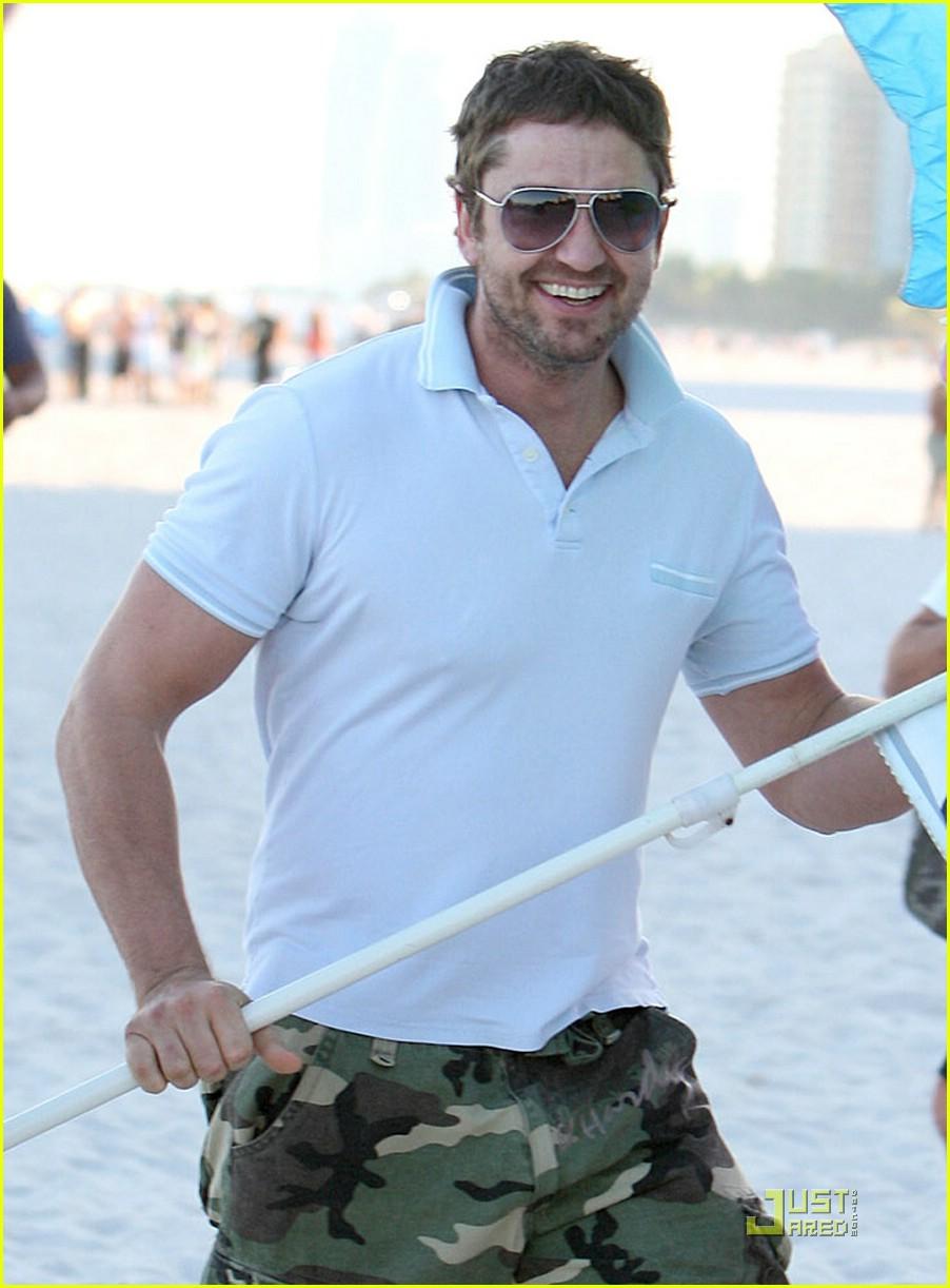 gerard butler miami beach umbrella 101624921