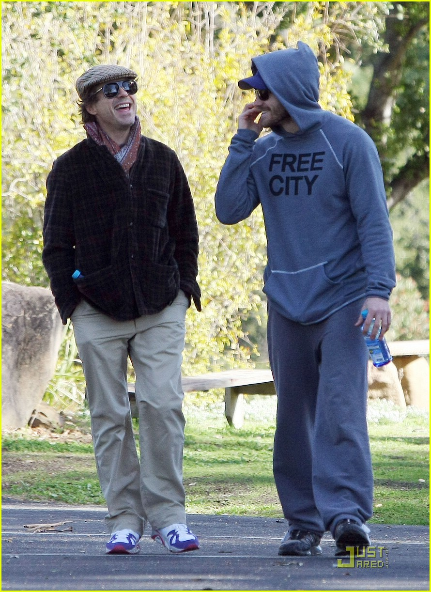 Full Sized Photo of jake gyllenhaal robert downey jr ojai ... Jake Gyllenhaal