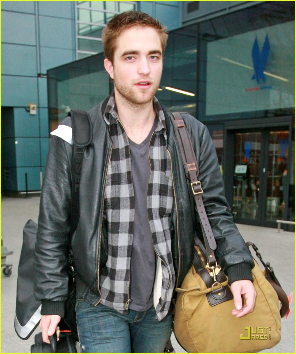 Robert Pattinson: Short Haircut!