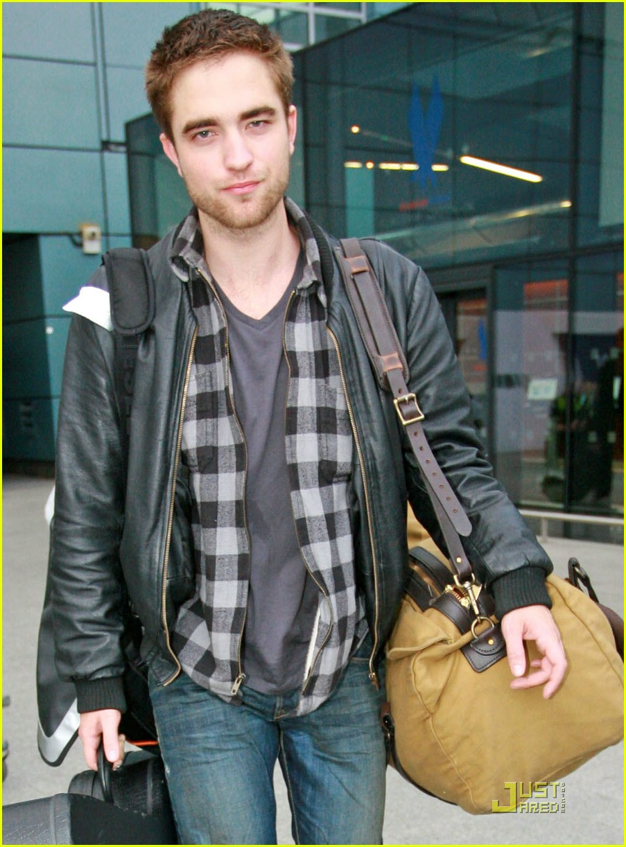 robert pattinson short hair cut 091610881