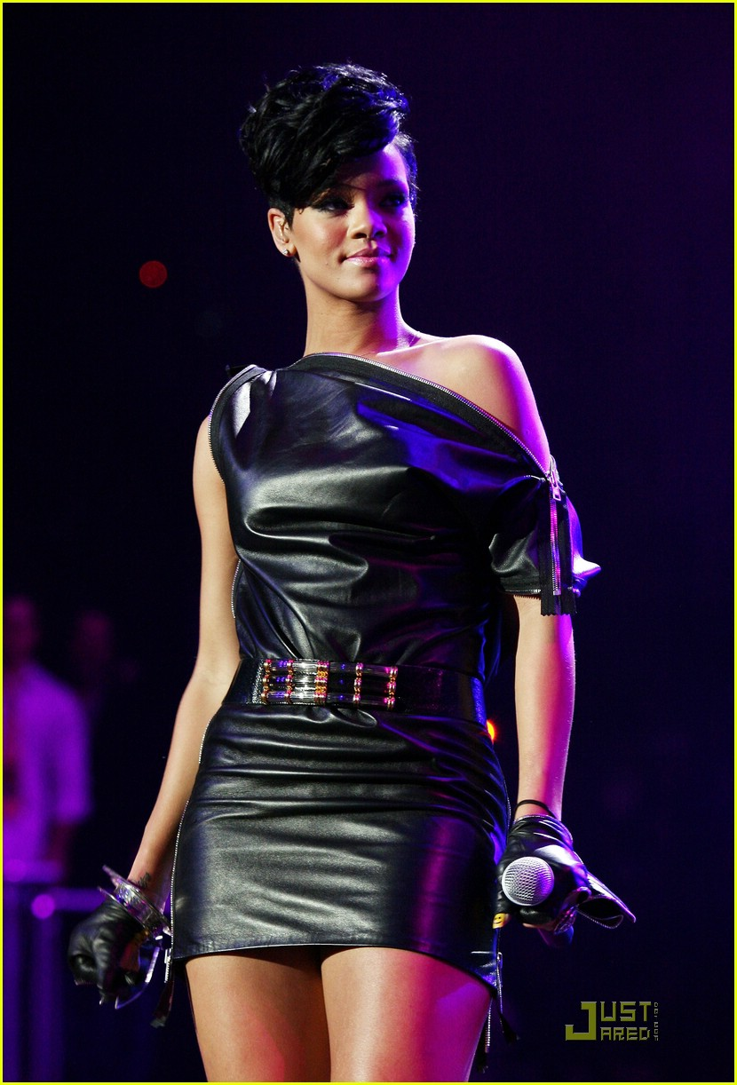 rihanna chris brown 2008 jingle ball 01