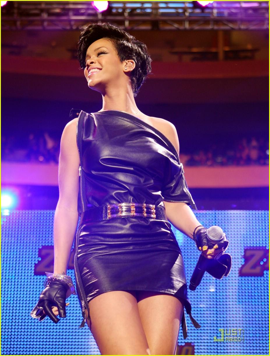 rihanna chris brown 2008 jingle ball 091594991