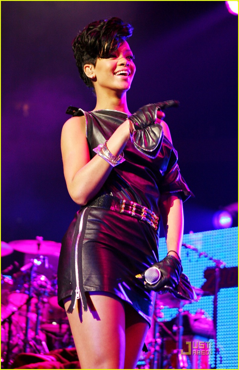 rihanna chris brown 2008 jingle ball 151595051