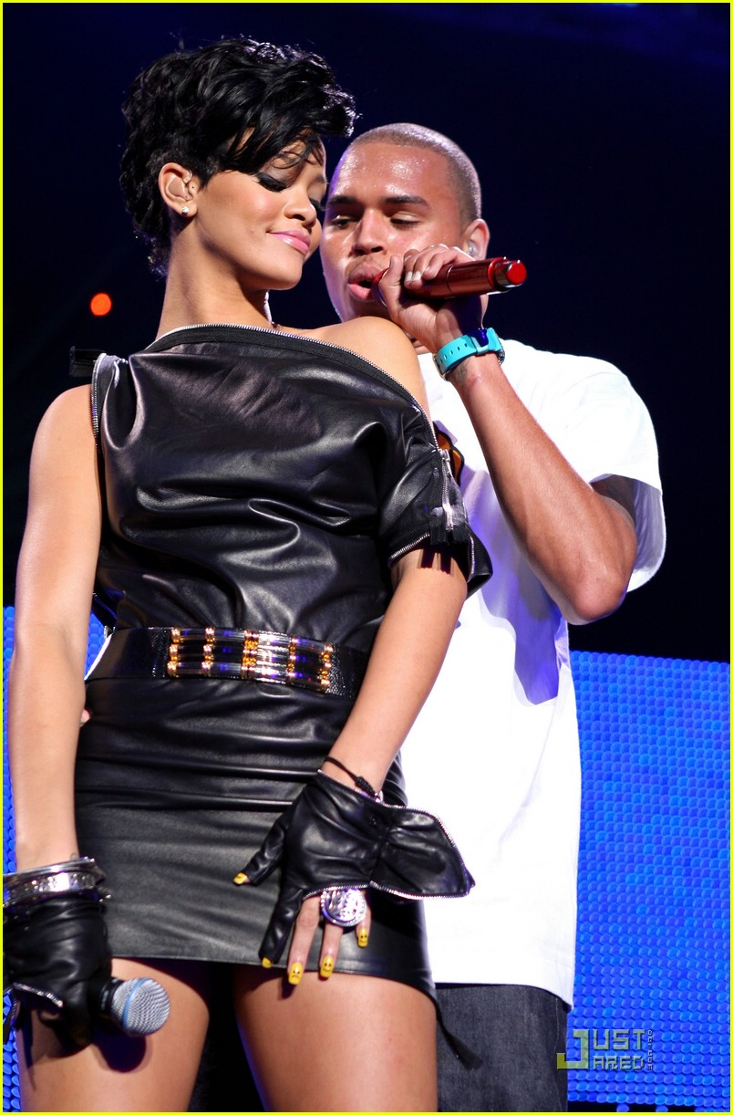 rihanna chris brown 2008 jingle ball 171595071