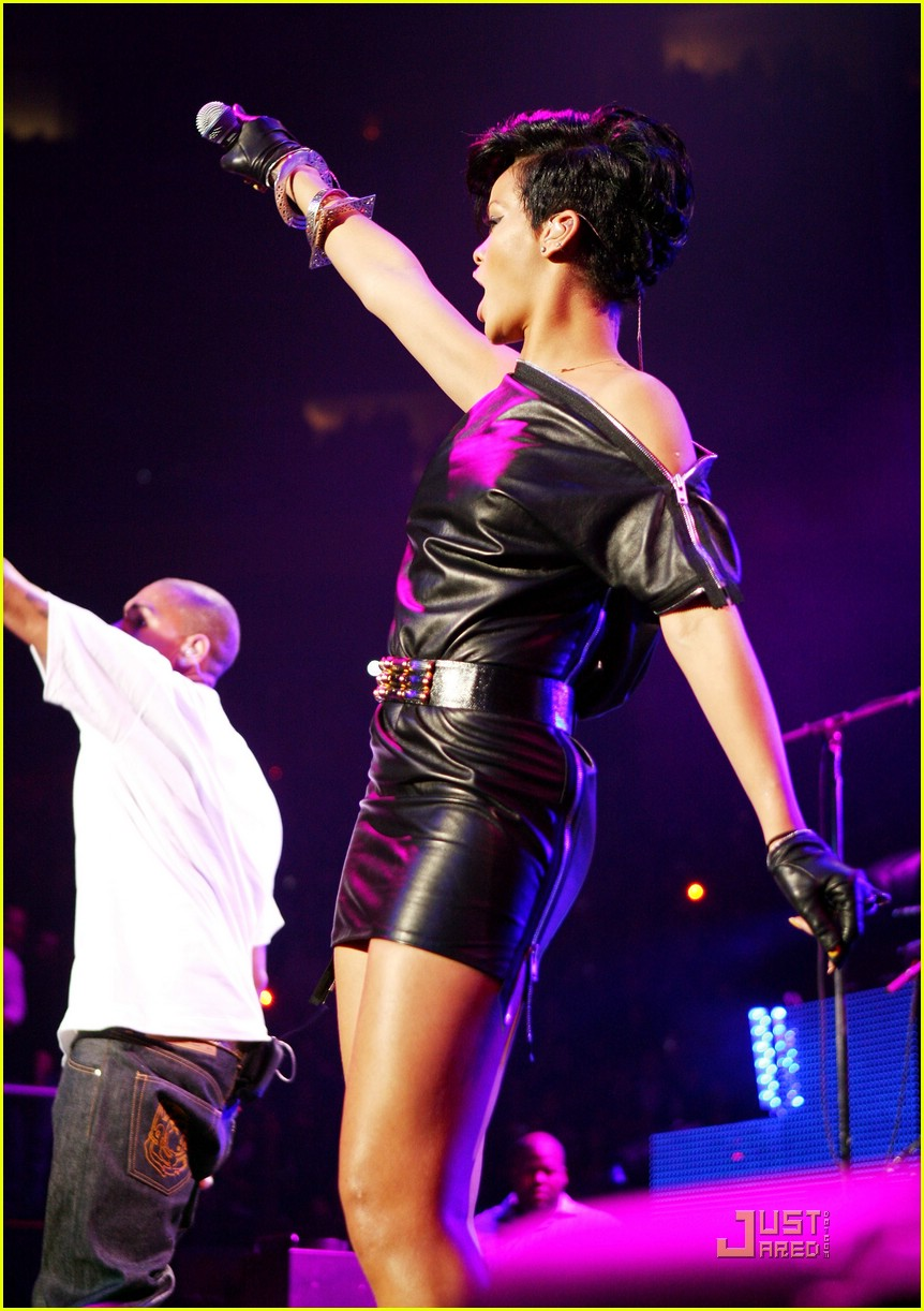 rihanna chris brown 2008 jingle ball 27