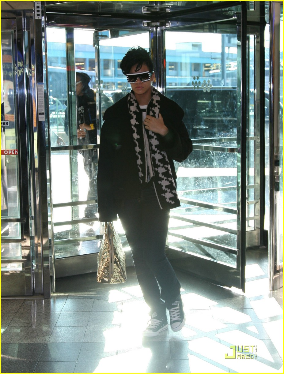 rihanna chris brown la guardia 10