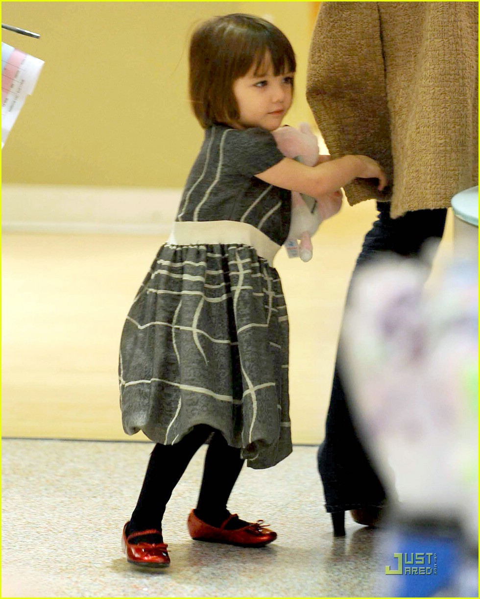 Suri Cruise 2018: Katie Holmes And Daughter Flaunt Close ...