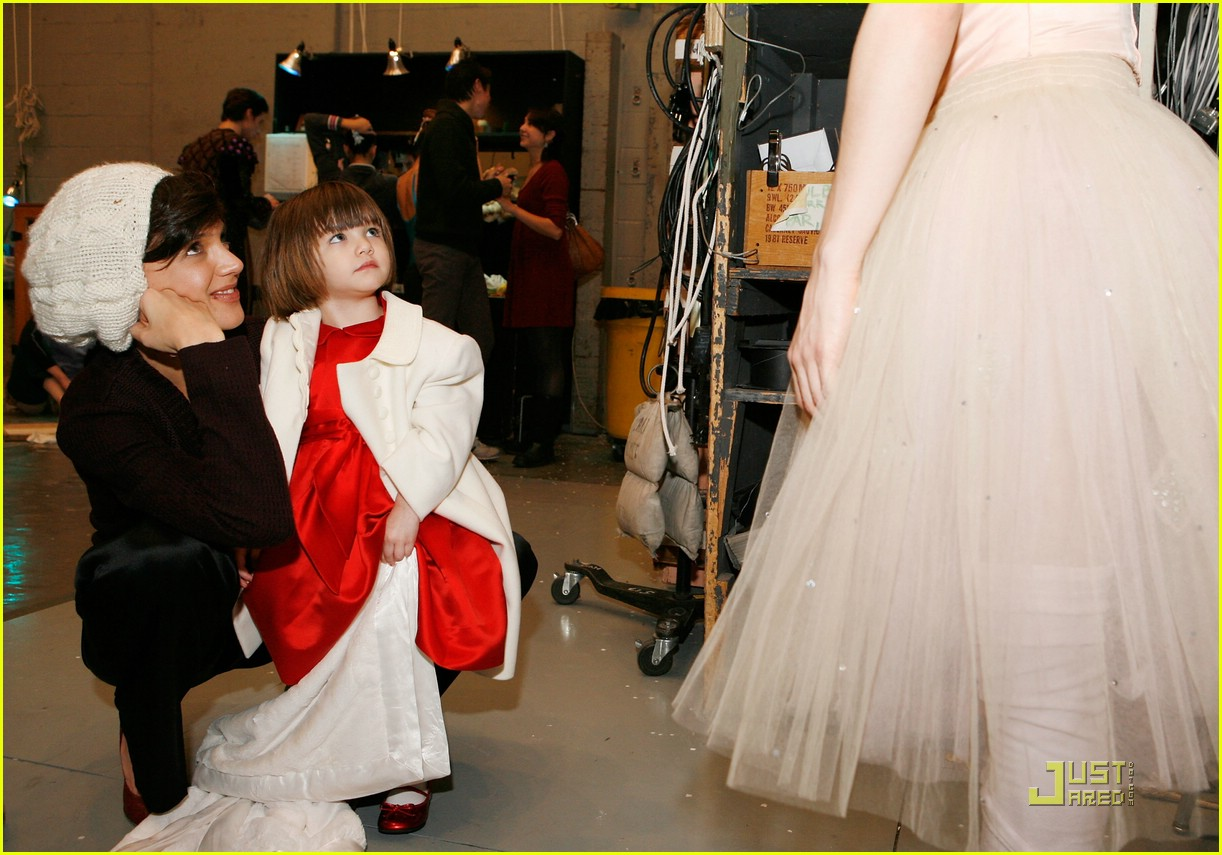 suri cruise nutcracker nice 051596671