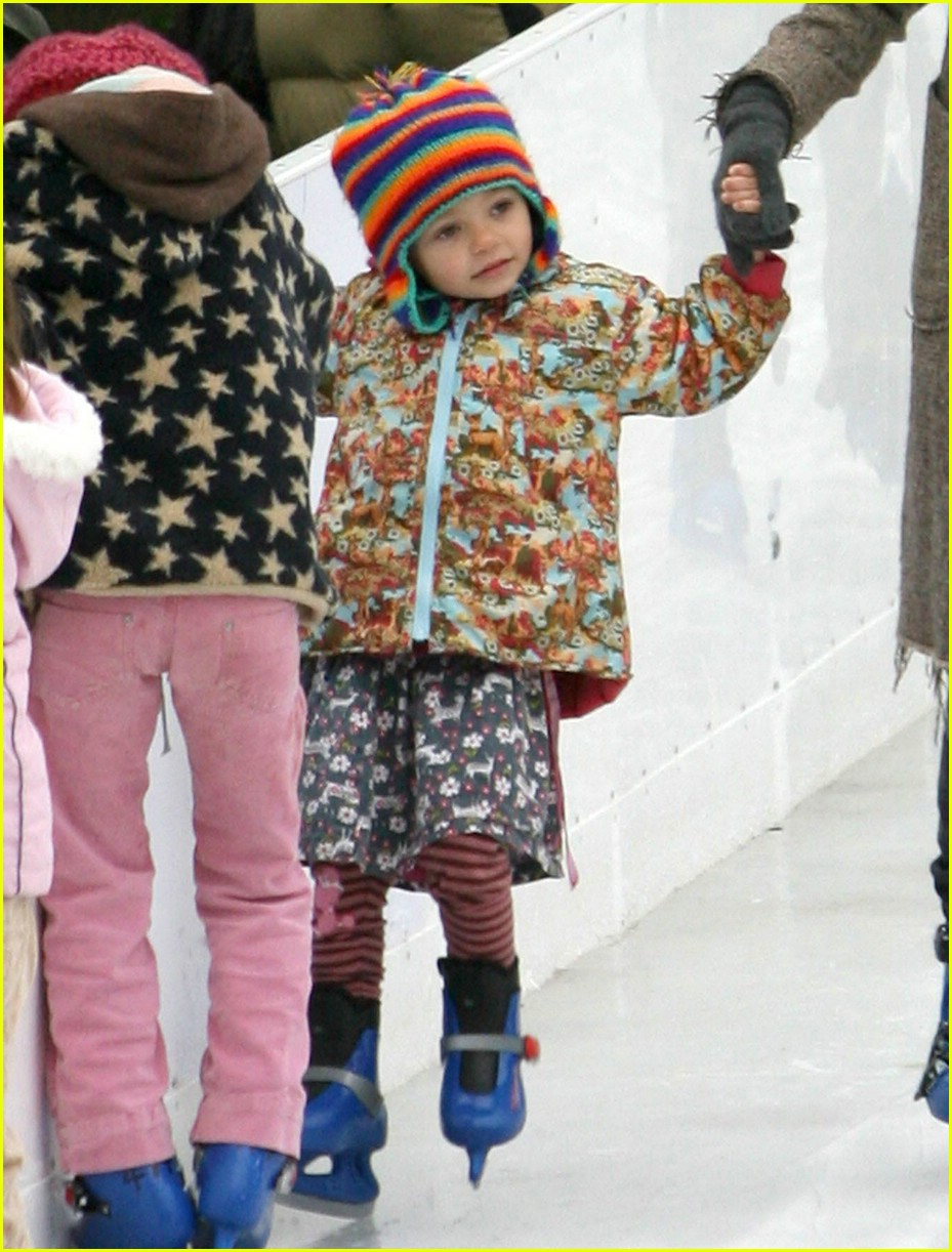 thandie newton ice skating 011606921