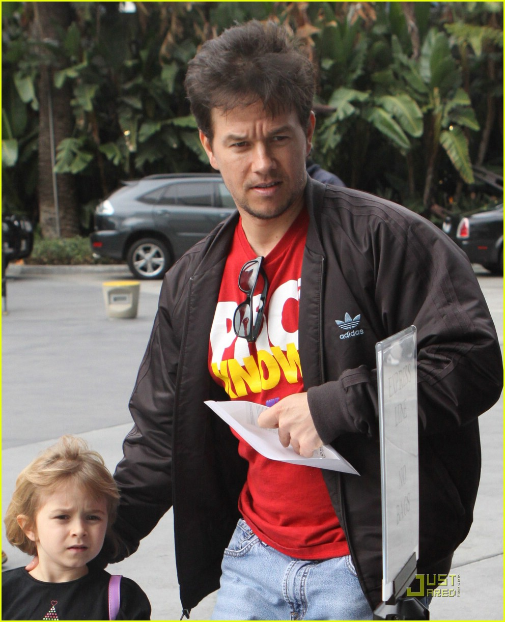 mark wahlberg lakers 03a
