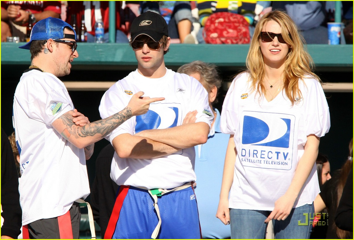 411d238ae Chace Crawford is a Football Fanatic  Photo 1693391