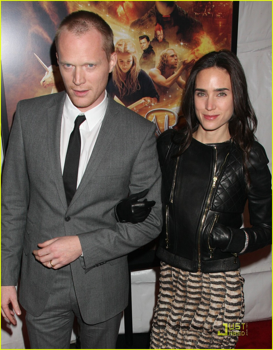 full sized photo of jennifer connelly paul bettany inkheart 01 photo 1657021 just jared. Black Bedroom Furniture Sets. Home Design Ideas