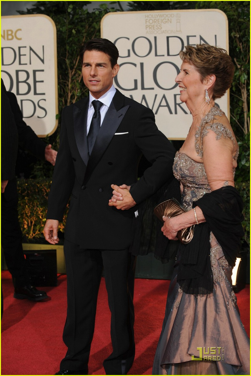 tom cruise golden globes 2009 mom 241647591