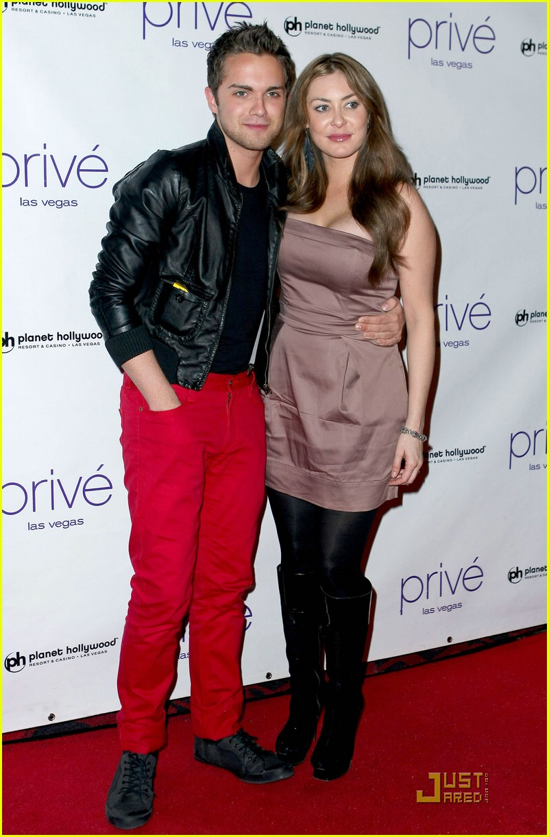 thomas dekker planet hollywood birthday party 01