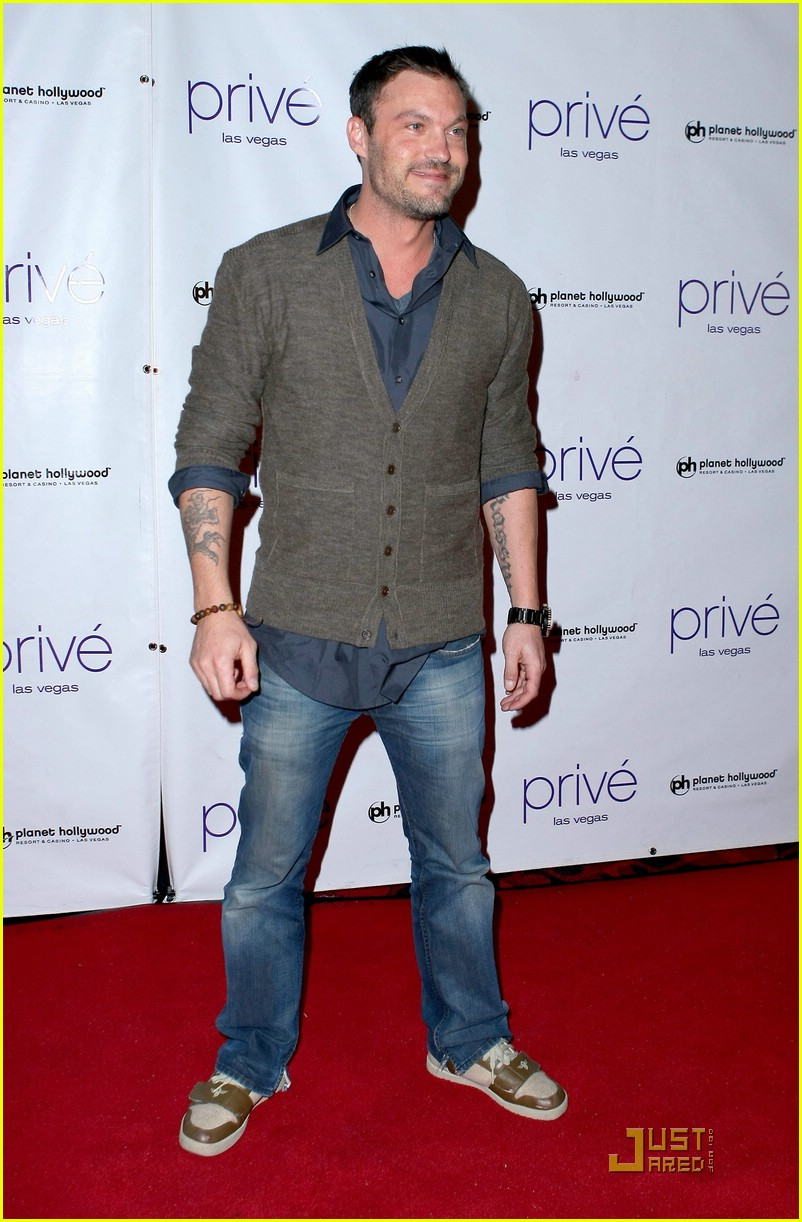 thomas dekker planet hollywood birthday party 151643031
