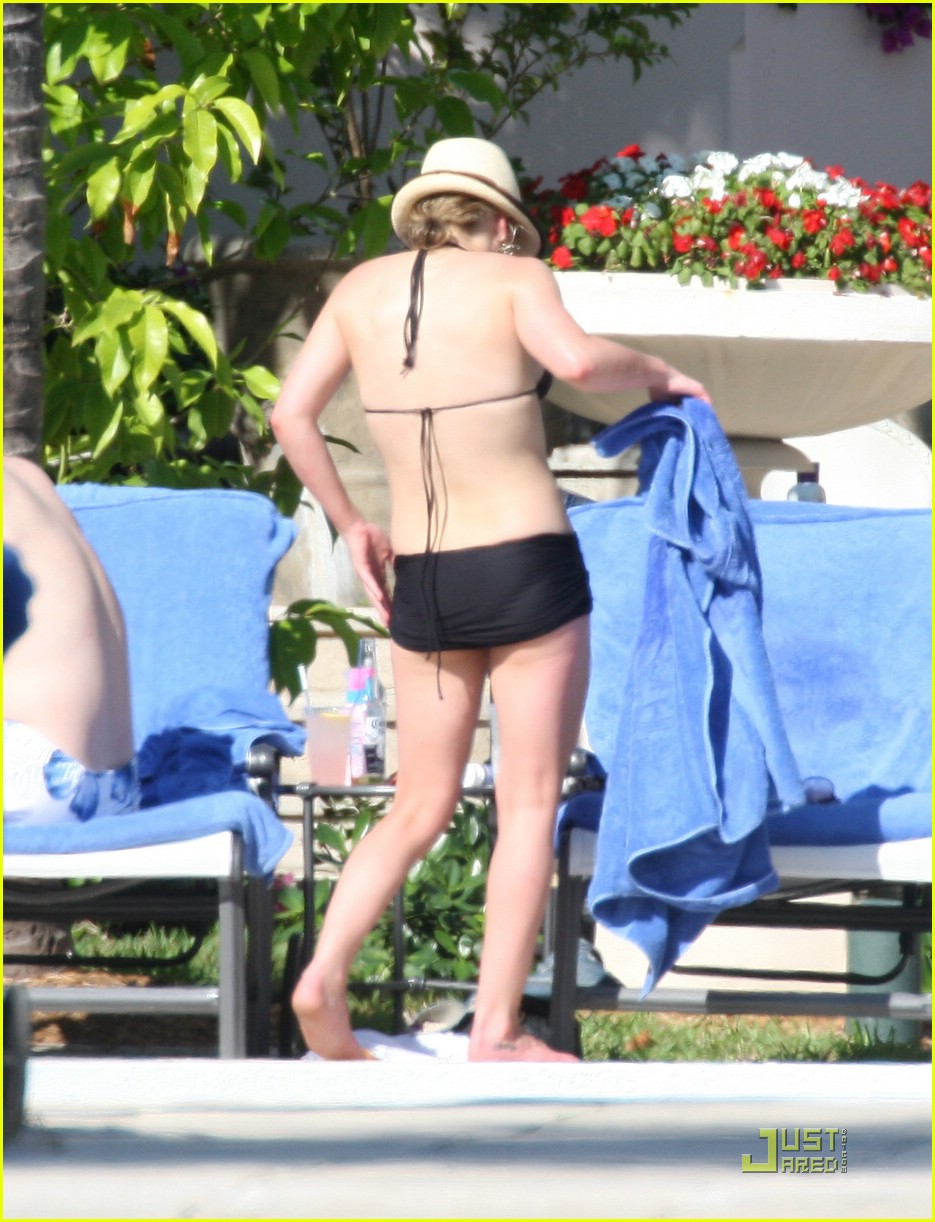 hilary duff ghost whispherer bikini 03