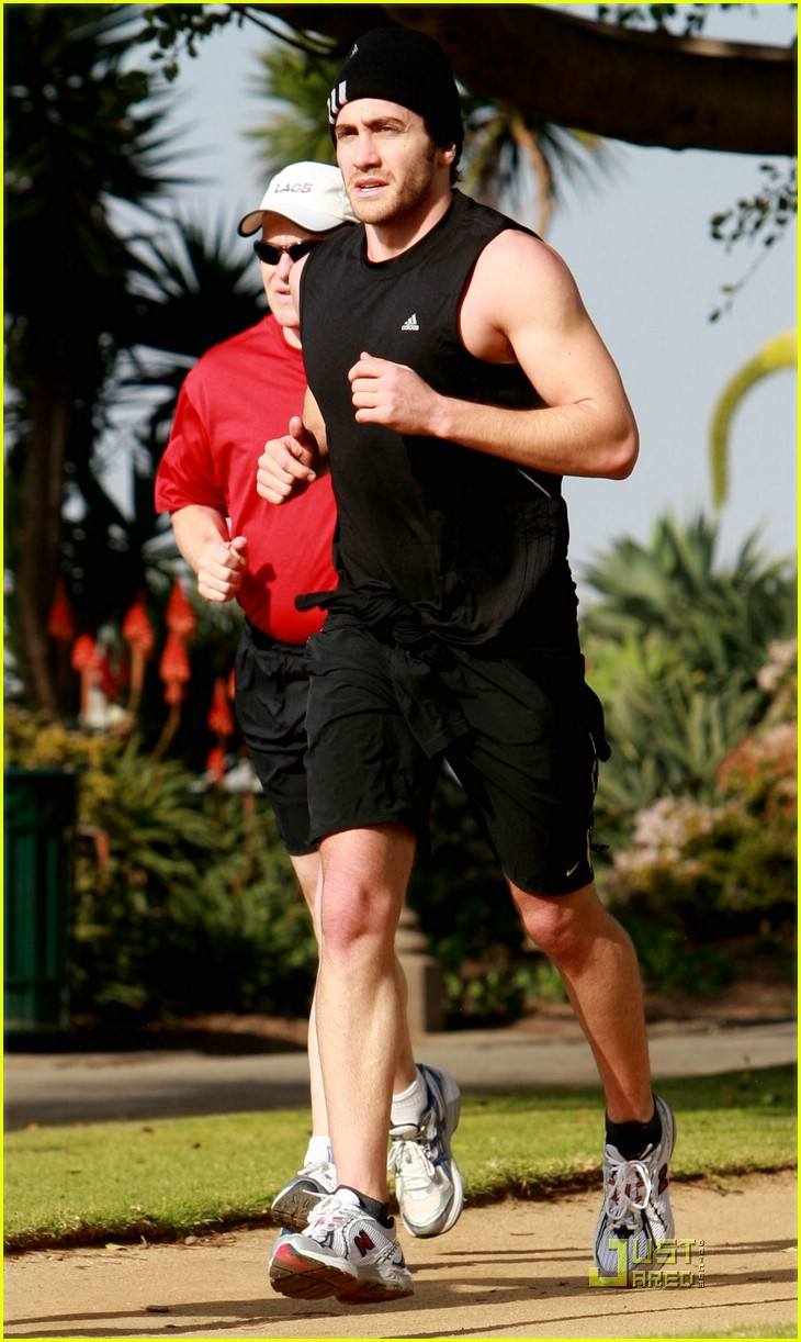 jake gyllenhaal running 07