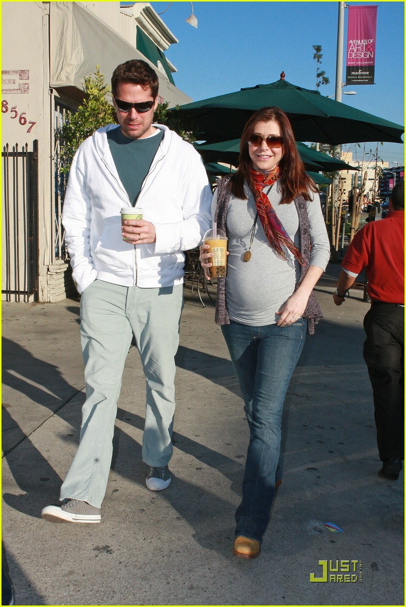 alyson hannigan bubble tea 03