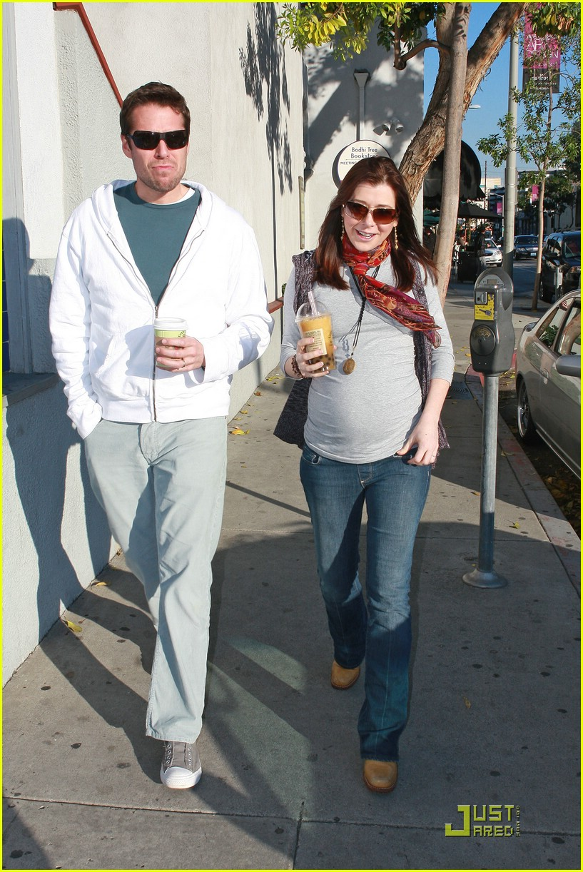 alyson hannigan bubble tea 041629341