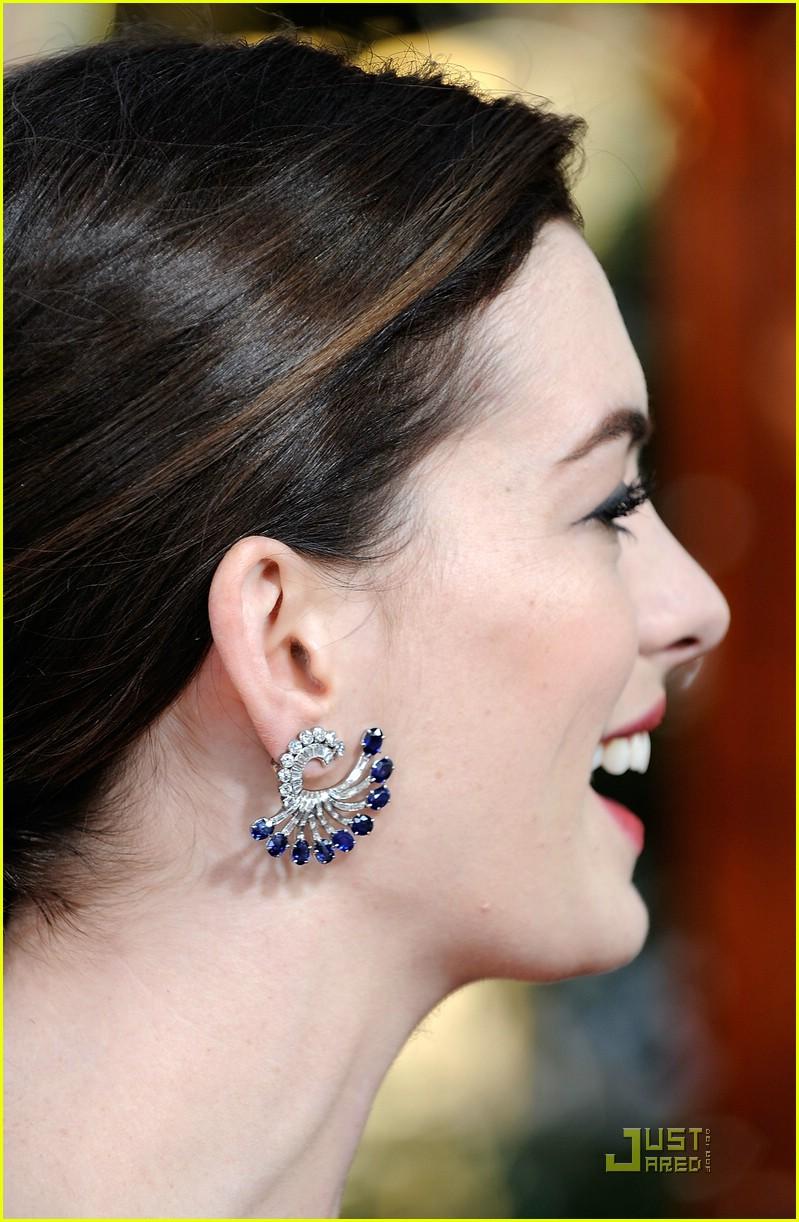 Anne Hathaway - Golden Globes 2009: Photo 1647121 | Anne Hathaway ...