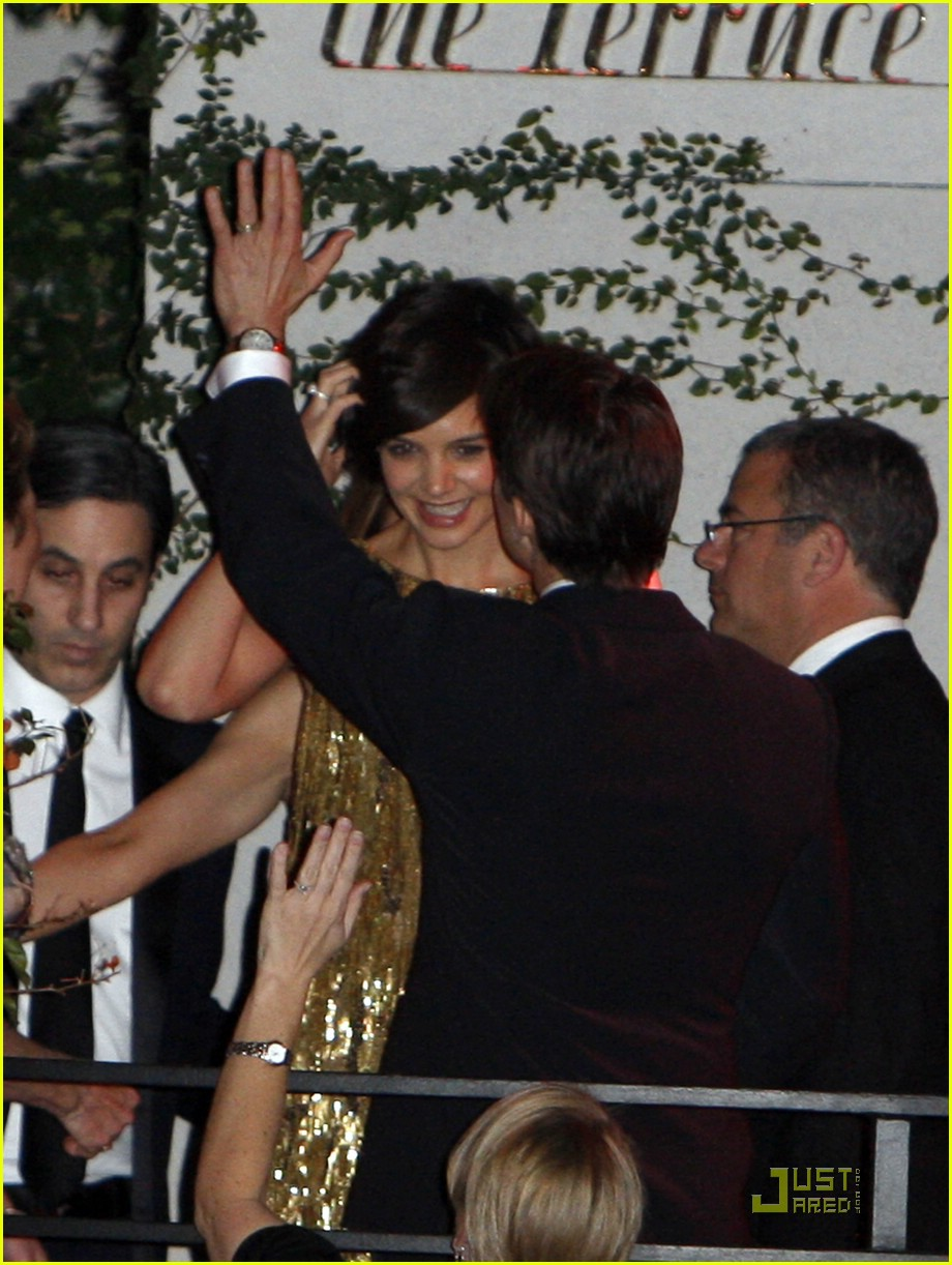 katie holmes golden globes party 06